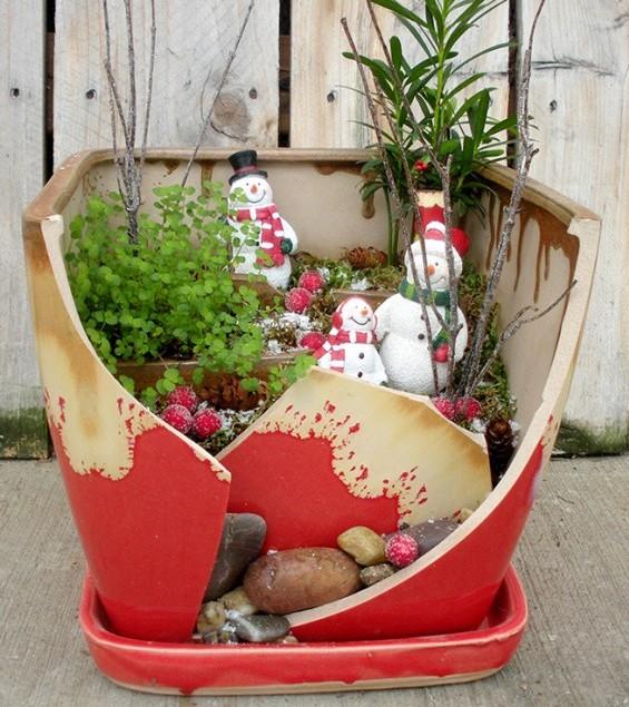 cracked pot mini garden